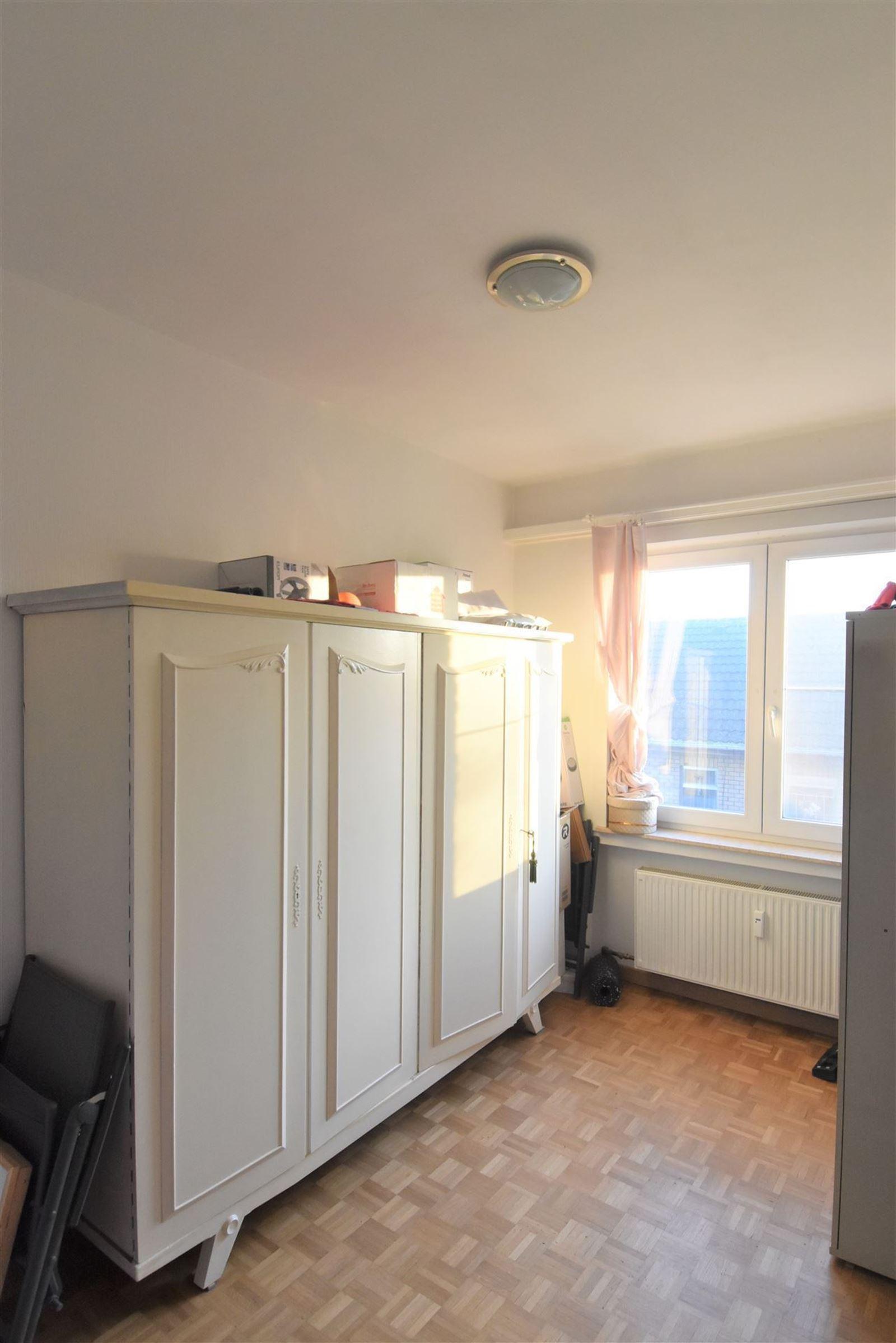 FOTO'S 21 : Appartement te 1651 LOT (België) - Prijs € 245.000