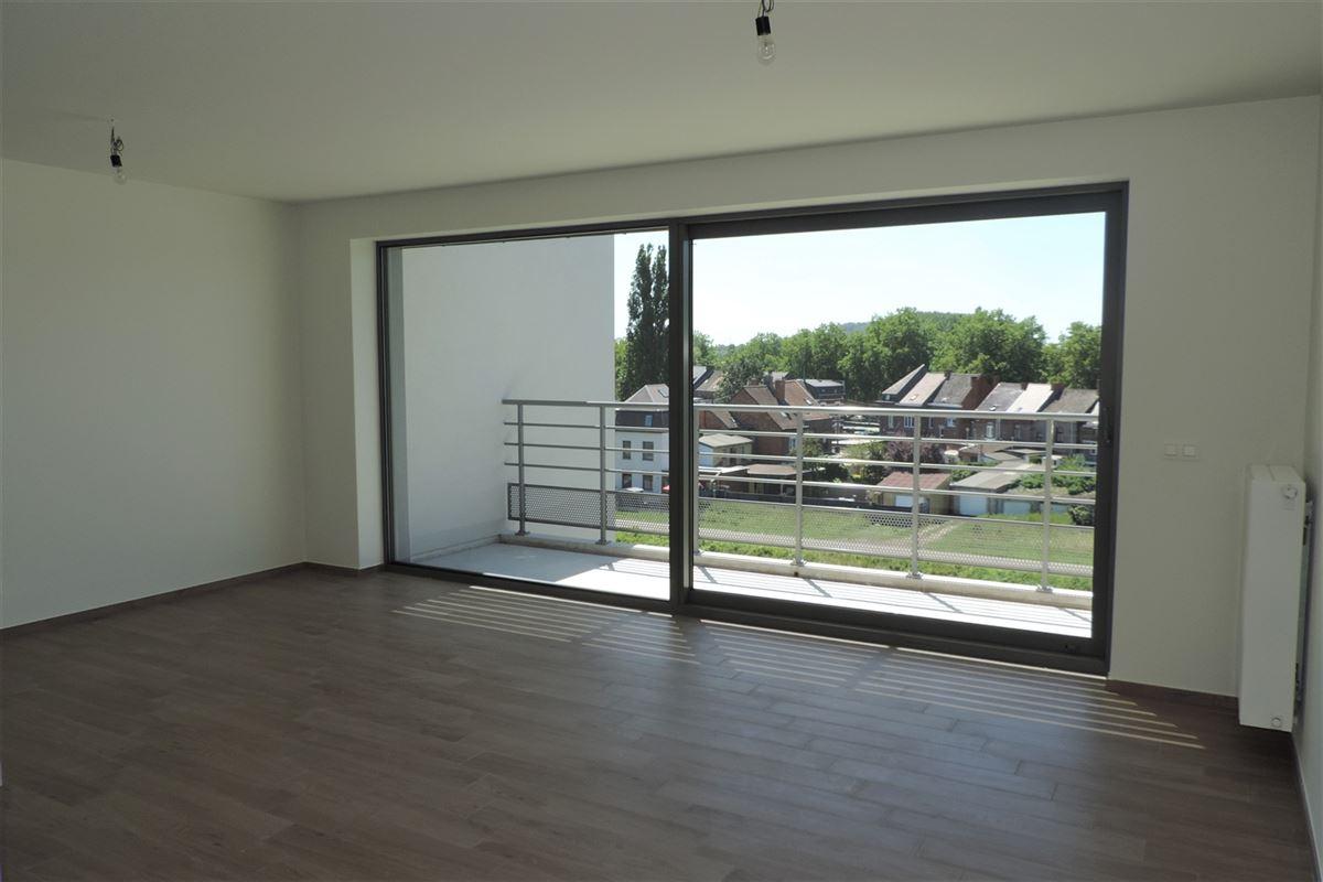 Image 2 : Appartement à 7000 MONS (Belgique) - Prix 830 €