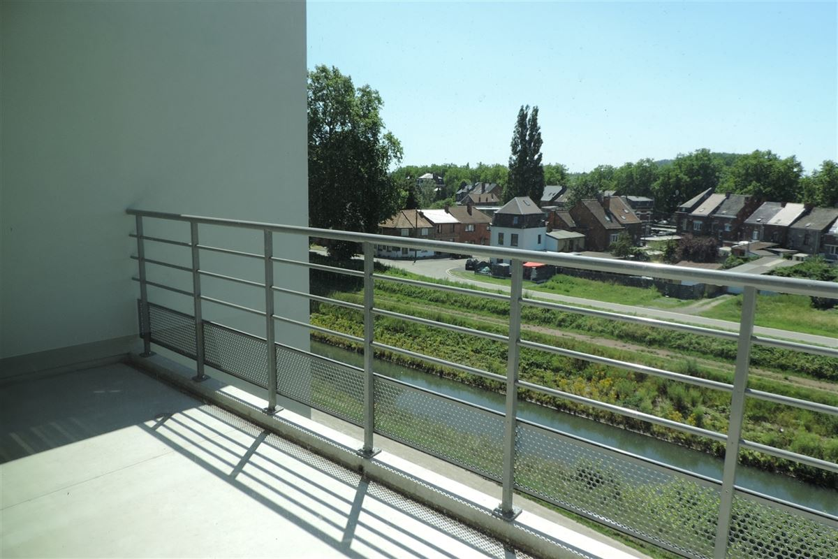 Image 2 : Appartement à 7000 MONS (Belgique) - Prix 650 €