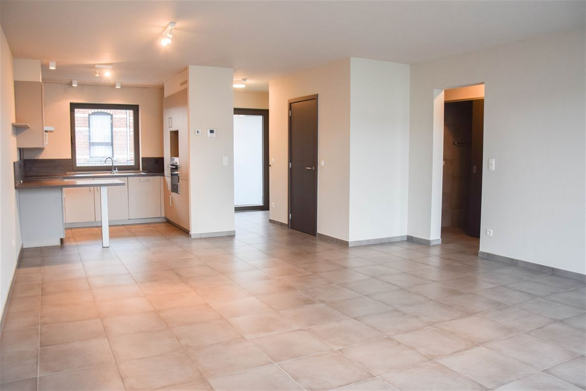 Foto 5 : Appartement te 9100 SINT-NIKLAAS (België) - Prijs 800 €/maand