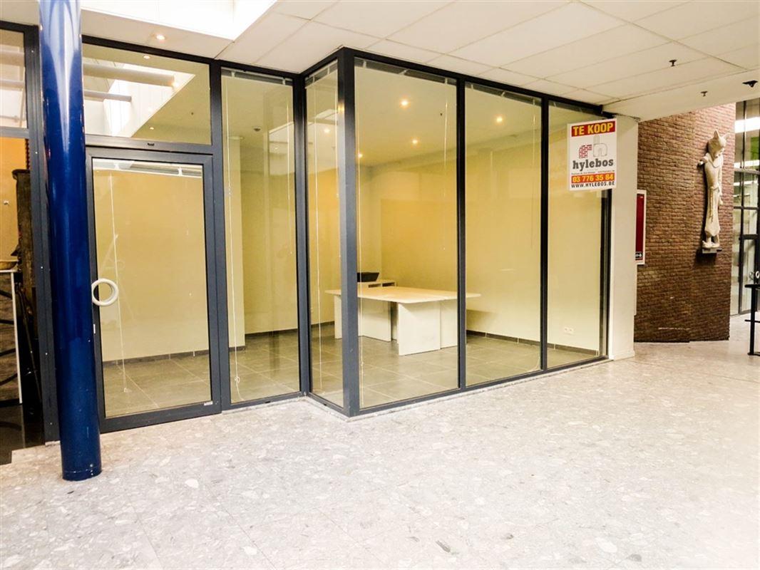 Foto 1 : Winkelruimte te 9100 SINT-NIKLAAS (België) - Prijs € 35.000