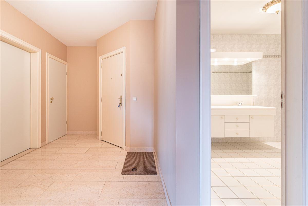 Foto 10 : Appartement te 9100 SINT-NIKLAAS (België) - Prijs € 270.000