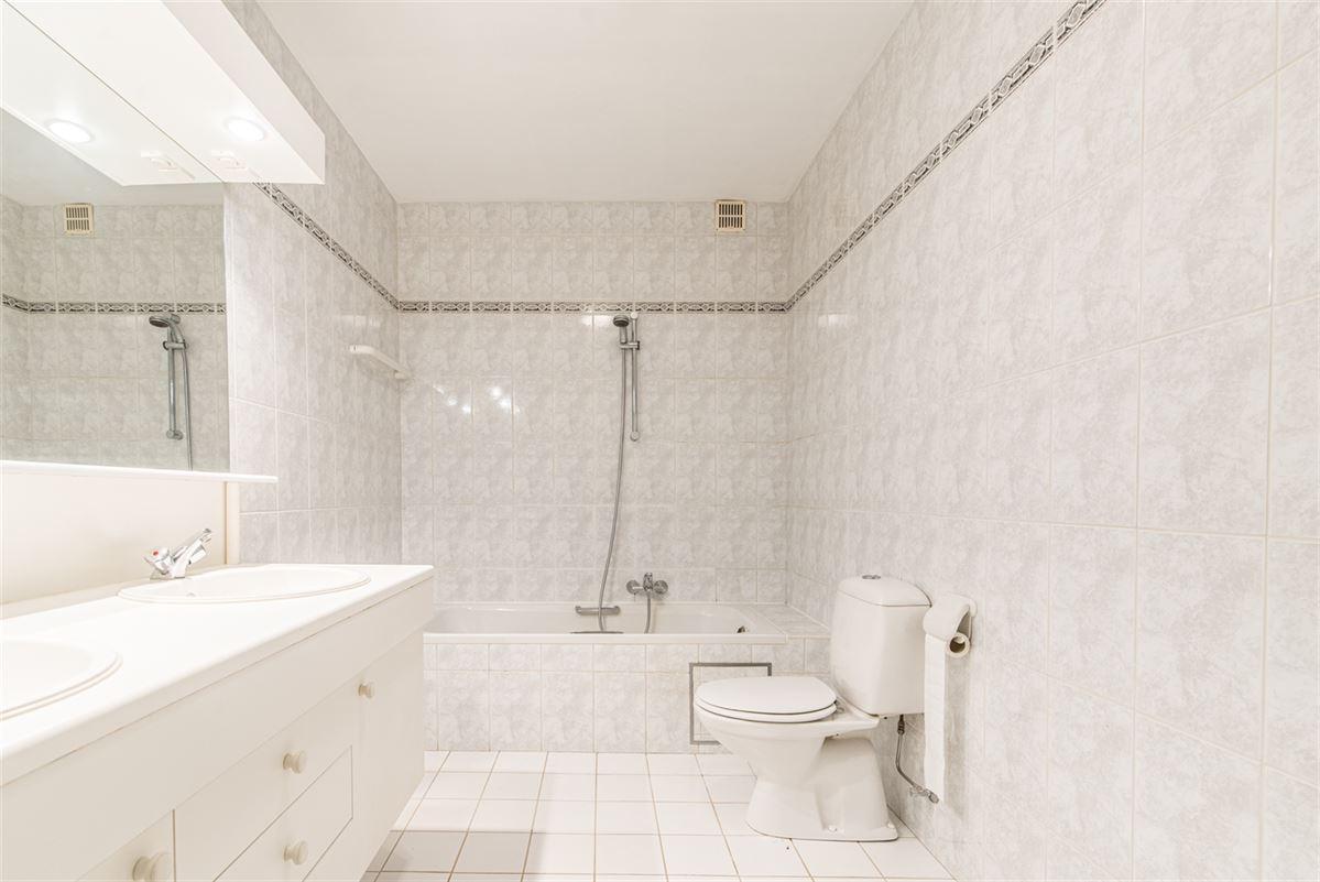 Foto 12 : Appartement te 9100 SINT-NIKLAAS (België) - Prijs € 270.000