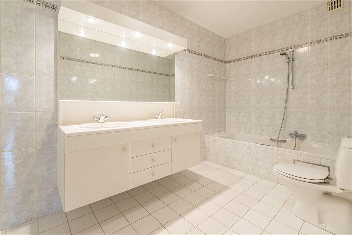 Foto 11 : Appartement te 9100 SINT-NIKLAAS (België) - Prijs € 270.000