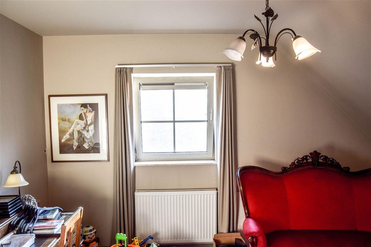 Foto 10 : Appartement te  SINT-NIKLAAS (België) - Prijs 740 €/maand