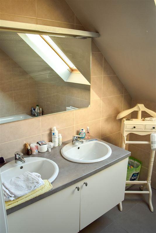 Foto 8 : Appartement te  SINT-NIKLAAS (België) - Prijs 740 €/maand