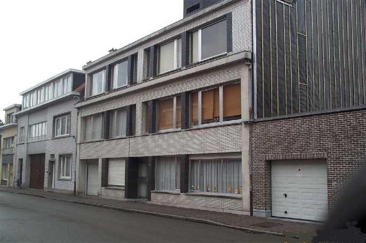 Foto 1 : Parking/Garagebox te 9100 SINT-NIKLAAS (België) - Prijs 55 €/maand