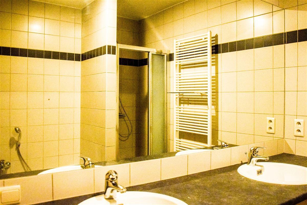 Foto 11 : Appartement te 9100 SINT-NIKLAAS (België) - Prijs 975 €/maand