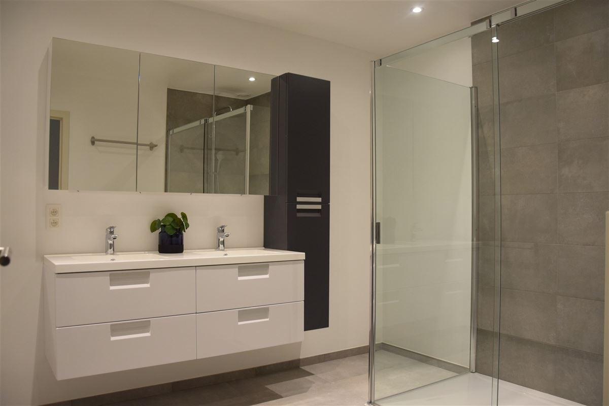 Foto 10 : Appartement te 9100 SINT-NIKLAAS (België) - Prijs 700 €/maand