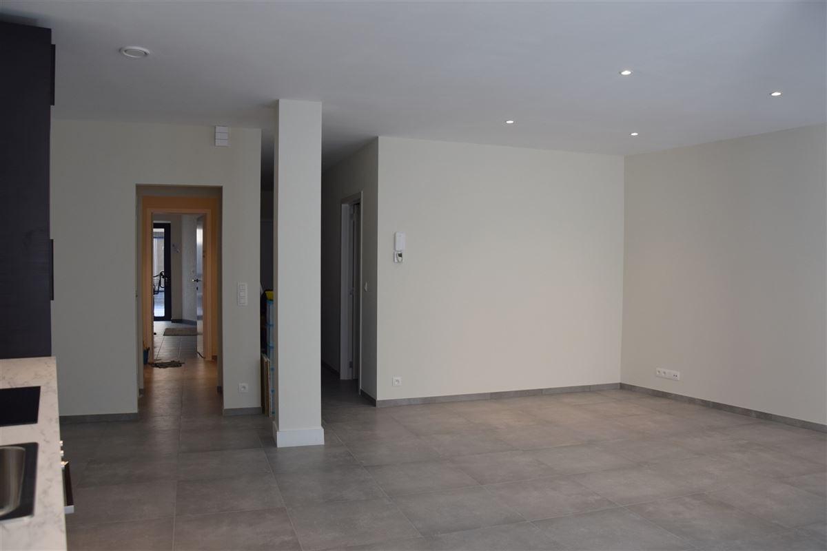 Foto 8 : Appartement te 9100 SINT-NIKLAAS (België) - Prijs 700 €/maand