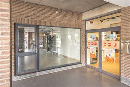 Commerce à 4300 WAREMME (Belgique) - Prix 700 €