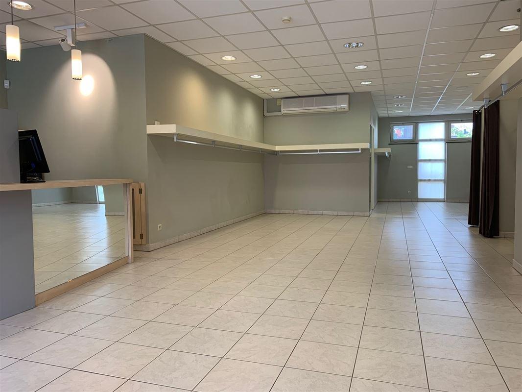 Foto 2 : Winkelruimte te 2930 BRASSCHAAT (België) - Prijs € 249.000