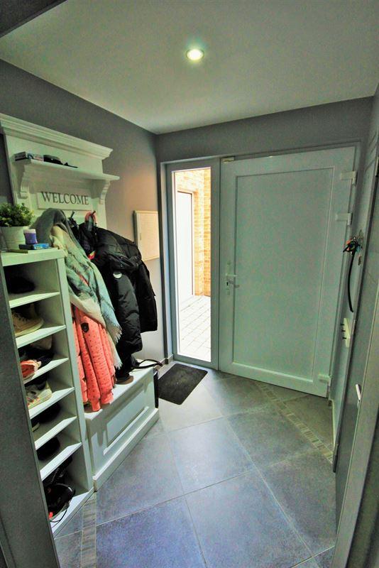 Image 2 : Villa à 6031 MONCEAU-SUR-SAMBRE (Belgique) - Prix 235.000 €