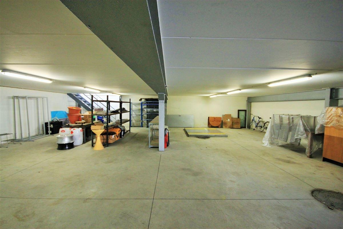 Image 20 : Commerce à 5070 FOSSES-LA-VILLE (Belgique) - Prix 1.650.000 €
