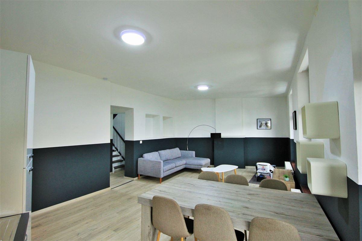 Image 3 : KOT/chambre à 6000 CHARLEROI (Belgique) - Prix 405 €