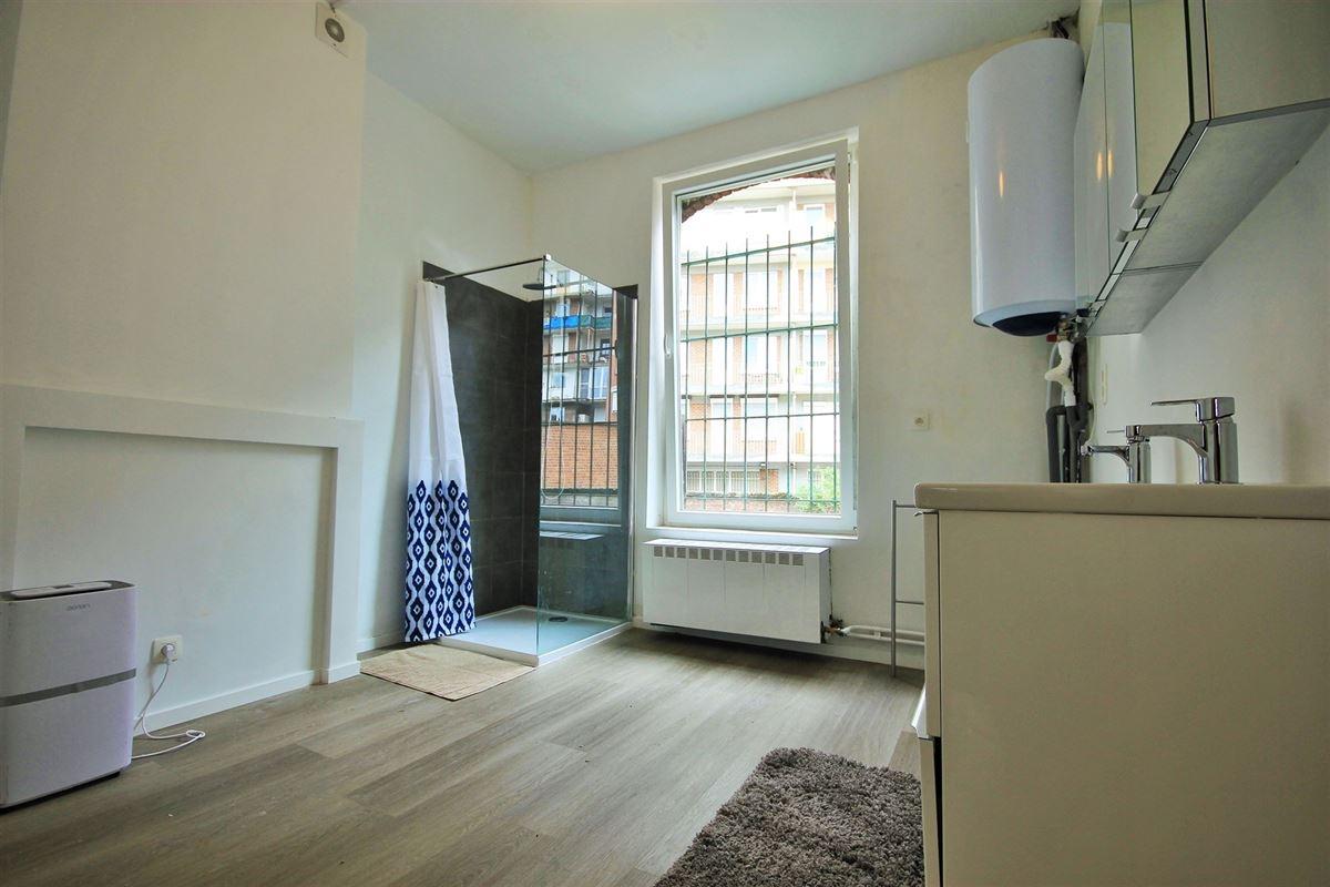 Image 8 : KOT/chambre à 6000 CHARLEROI (Belgique) - Prix 400 €