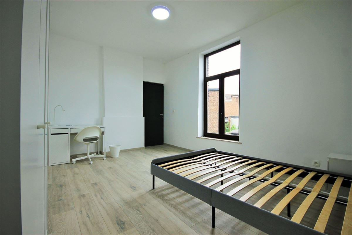 Image 8 : KOT/chambre à 6000 CHARLEROI (Belgique) - Prix 385 €