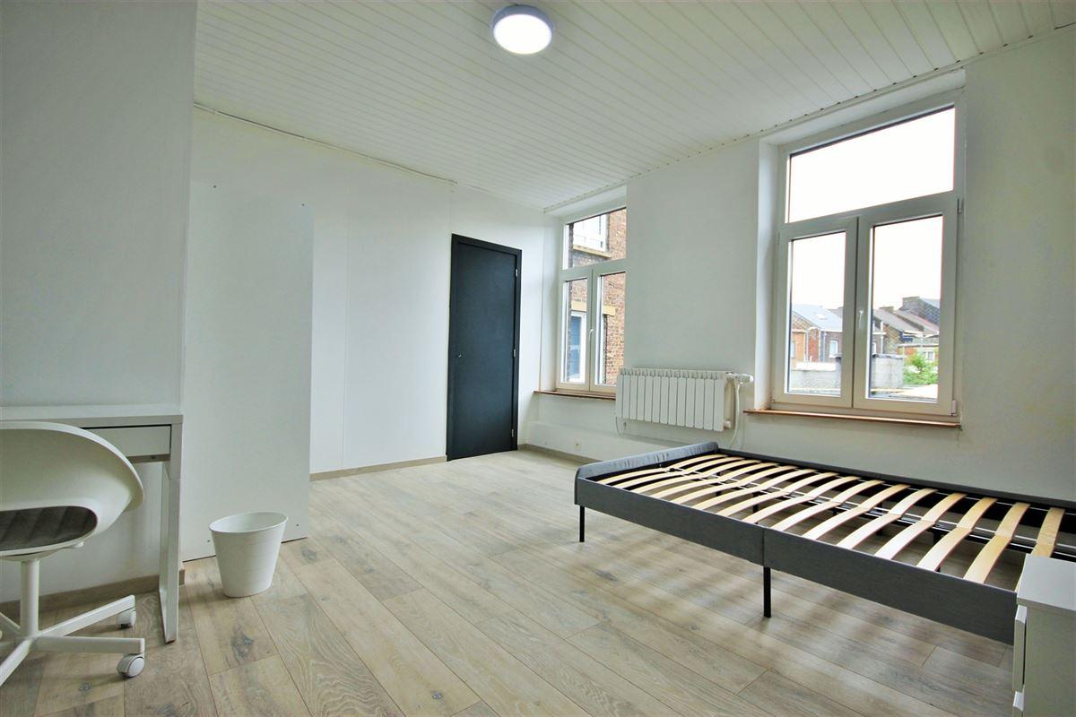 Image 6 : KOT/chambre à 6000 CHARLEROI (Belgique) - Prix 385 €