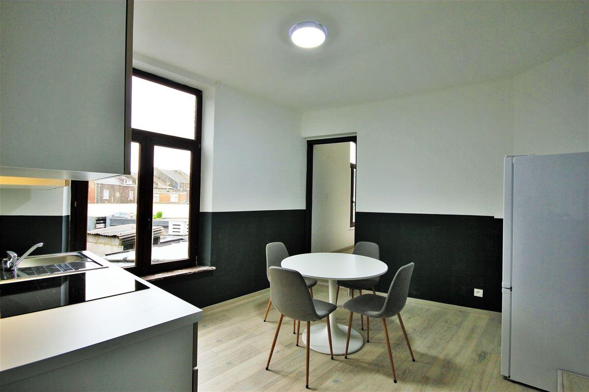 Image 11 : KOT/chambre à 6000 CHARLEROI (Belgique) - Prix 405 €