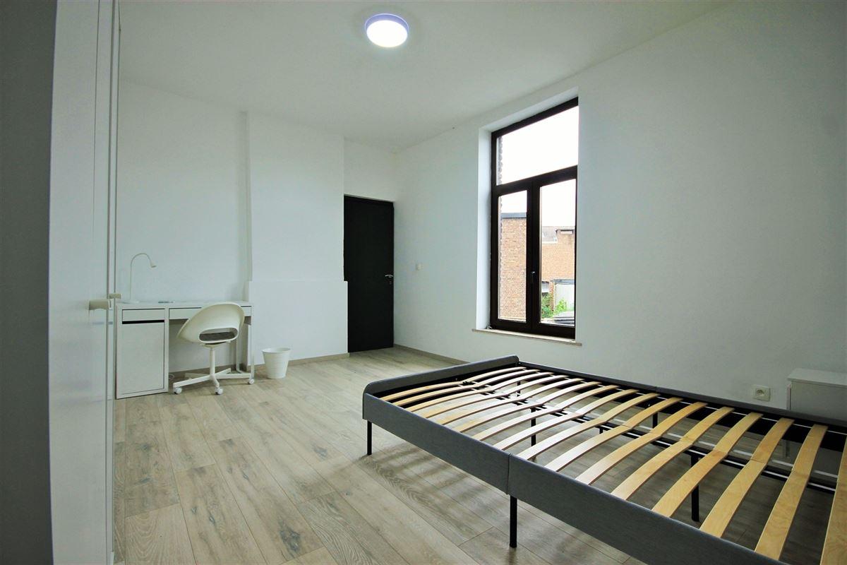 Image 8 : KOT/chambre à 6000 CHARLEROI (Belgique) - Prix 405 €