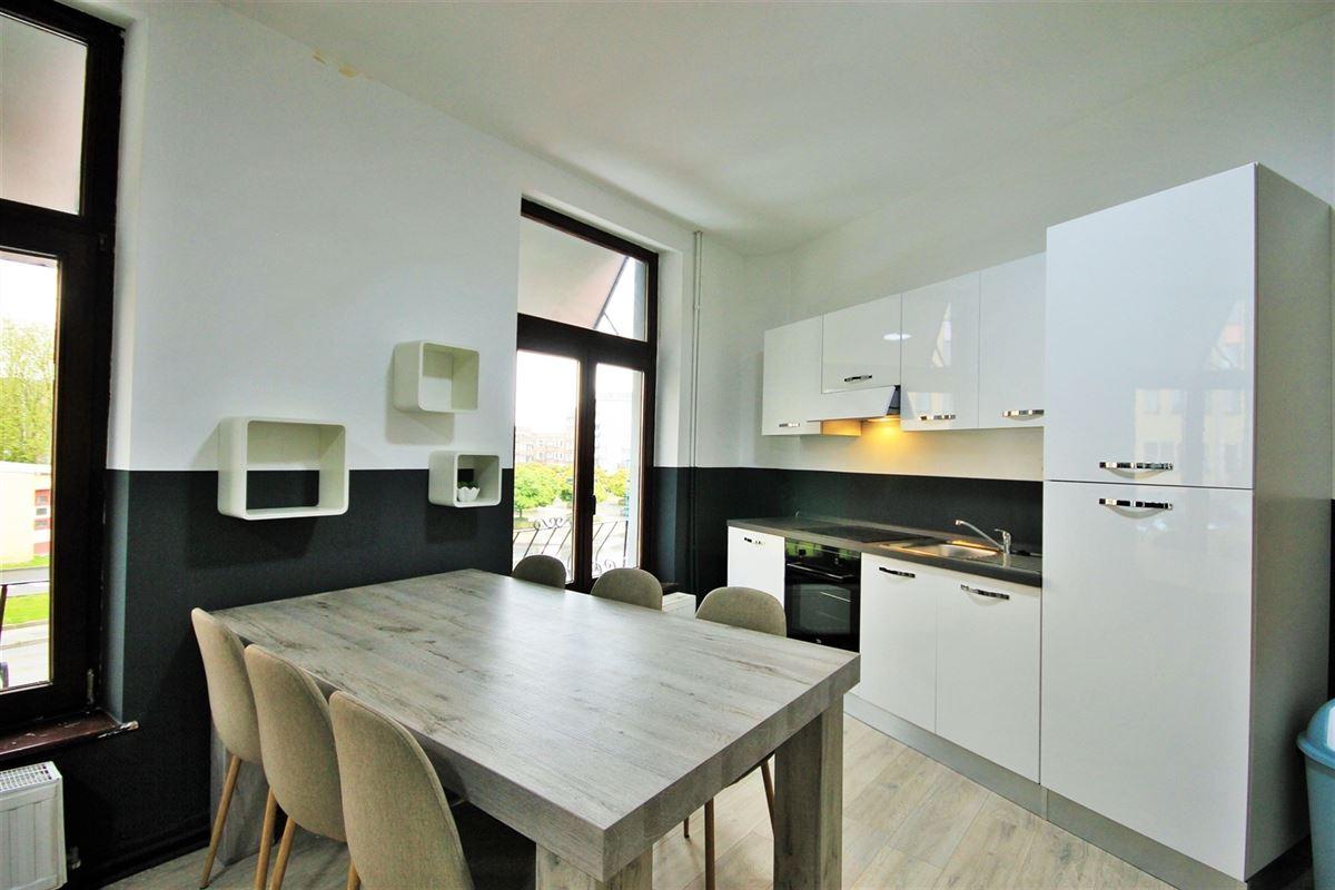 Image 4 : KOT/chambre à 6000 CHARLEROI (Belgique) - Prix 405 €