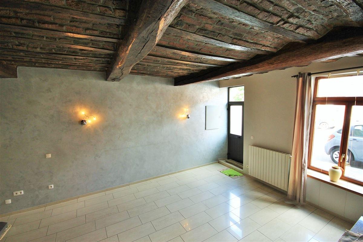 Image 2 : Maison à 6060 GILLY (Belgique) - Prix 850 €