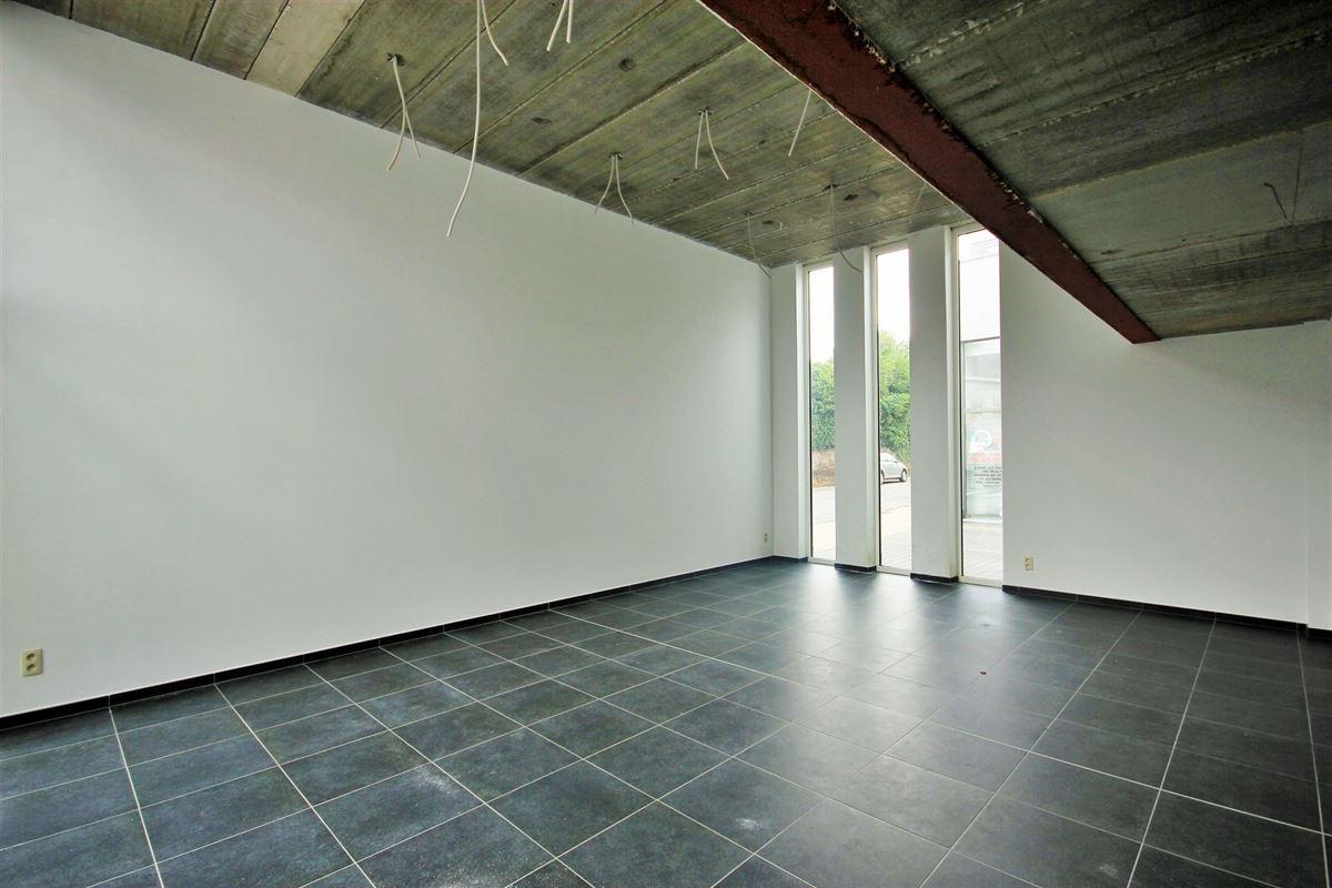 Image 9 : Commerce à 6240 FARCIENNES (Belgique) - Prix 189.000 €