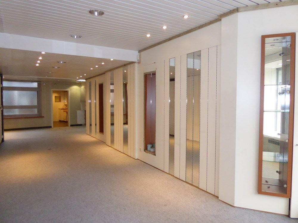 Foto 3 : Winkelruimte te 3800 SINT-TRUIDEN (België) - Prijs € 255.000