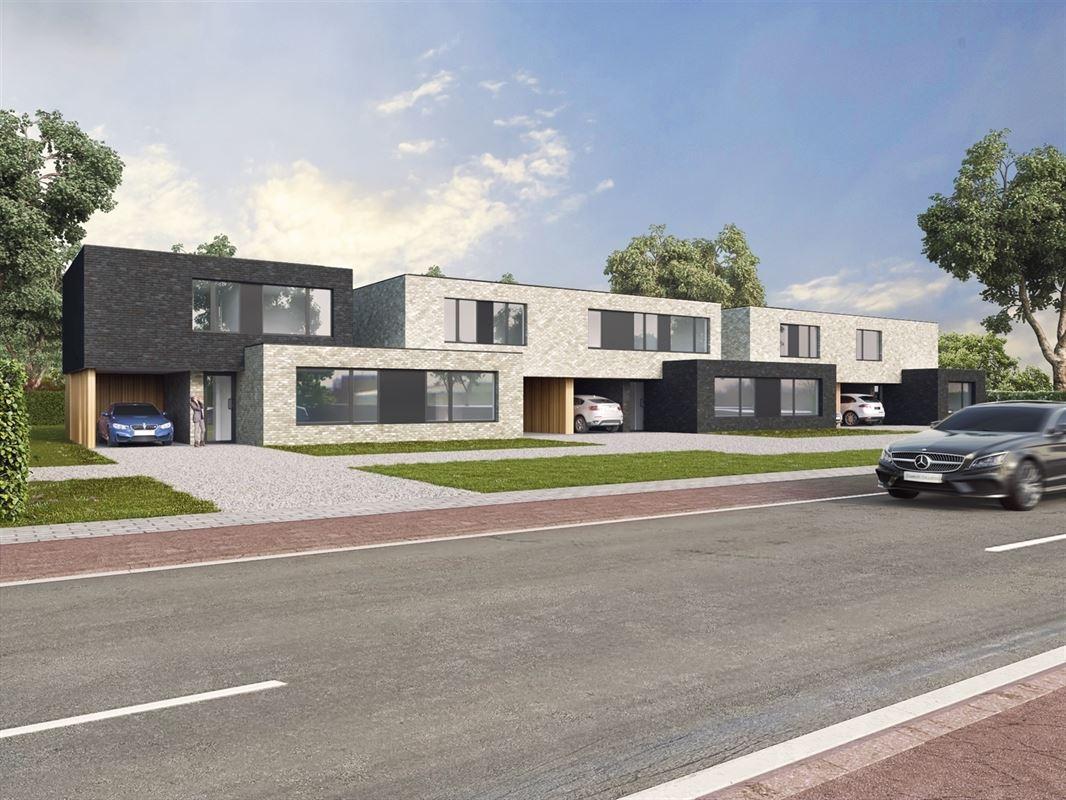 Half-open bebouwing te 3800 BEVINGEN (België) - Prijs