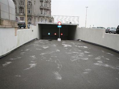 GARAGE TE HUUR OP JAARBASIS - gesloten box op -1 - vrij vanaf 29 juli 2014...