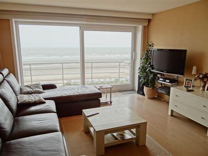 A LOUER A L'ANNEE - appartement 2 chambres spacieux et récent - chambre avec lit 1x2 et salle de douche - chambre avec lit escamotable 1x2 - cuisine ...