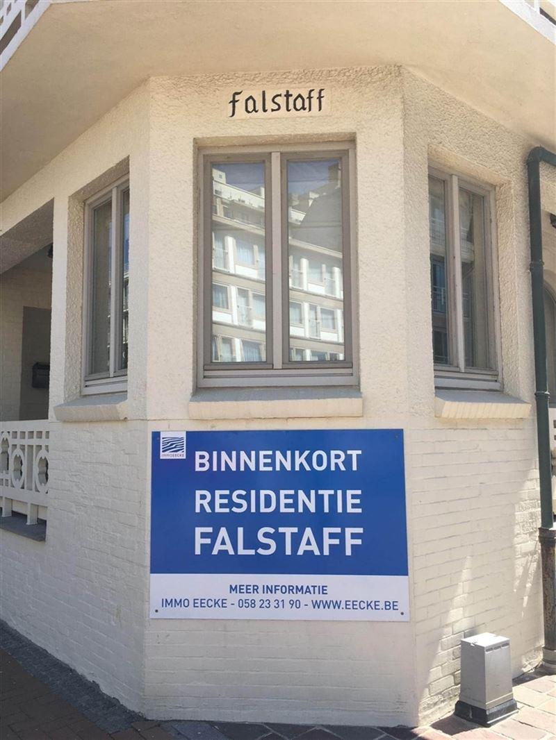 UITVERKOCHT - Kleinschalige residentie met 21 appartementen. Zonnige ligging op de hoek van de winkelstraat en de Goethalsstraat mét zeezicht! Start  ...
