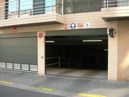 Res. Apollo XI - G11.02.11 - Inrit via de Franslaan - Dubbele garage in de lengte - Afmetingen: 2,72 x 10,10 m...