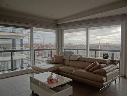 Res. Villa Jalina 0302 - Instapklaar recent hoekappartement met twee slaapkamers - Zonnig gelegen op de derde verdieping in de Albert I laan - Inkom m...