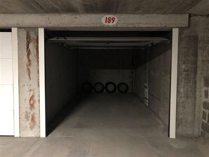 Hendrikaplein garage 189 - Gelegen op het niveau -1 - Afm. 2m85 x 5m35 - Nieuwe sectionale poort - Volle eigendom...