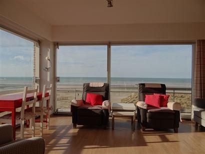 Sunflower 0302 - Fantastisch hoek appartement met twee slaapkamers - Zonnig gelegen op de hoek met de Zeedijk en het Leopoldplein - Inkom met gastento...