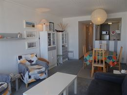 Res. Viviane 0402 - Agréable appartement avec deux chambres à coucher - Situé au 4ième étage avec magnifique vue sur mer - Hall d'entrée avec to...