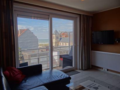 Apollo XI F11.05.01 - Grand appartement avec deux chambres à coucher - Situé au cinquième étage sur la Franslaan et vue sur l'eglise - Hall d'entr...