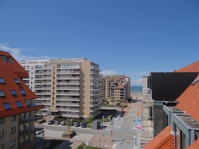 Res. Apollo V F5.06.02 - Appartement au coin avec magnifique vue ouverte sur les dunes - Situé au sixième étage avec vue latérale sur mer - Hall d...
