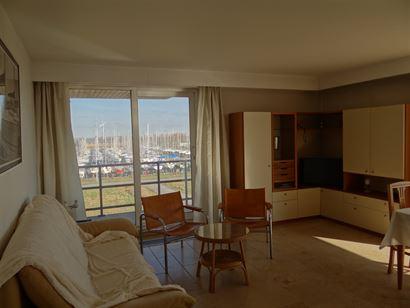 Robert Orlent 0305 - Appartement lumineux au coin, avec deux chambres à coucher - Situation ensoleillé au troisième étage, à quelques pas du yach...