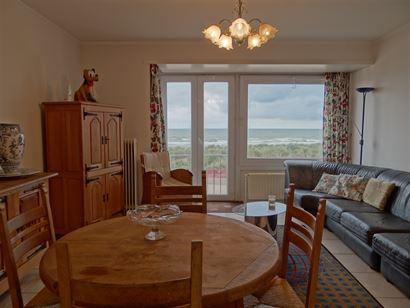 Res. Santa Cruz 0101 - Appartement cosy avec 3 chambres à coucher - Vue sur mer du premier étage - Hall d'entrée avec toilette - Living - Cuisine -...