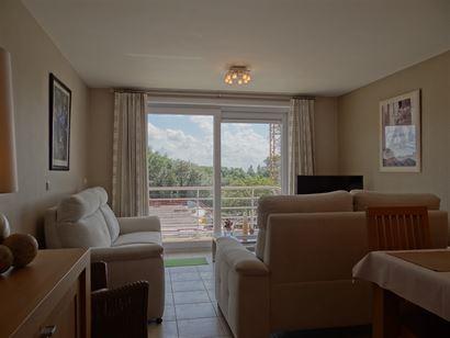 Res. Apollo X F10.02.07 - Appartement très soigné avec deux chambres à coucher et coin à dormir - Vue ensoleillé du deuxième étage - Hall d'ent...