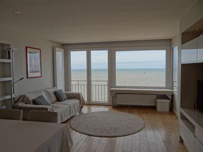Res. Strand Imperial 1602 - Magnifique appartement rénové avec chambre à coucher - Vue imprenable sur mer du 16ième étage - Hall d'entrée avec v...