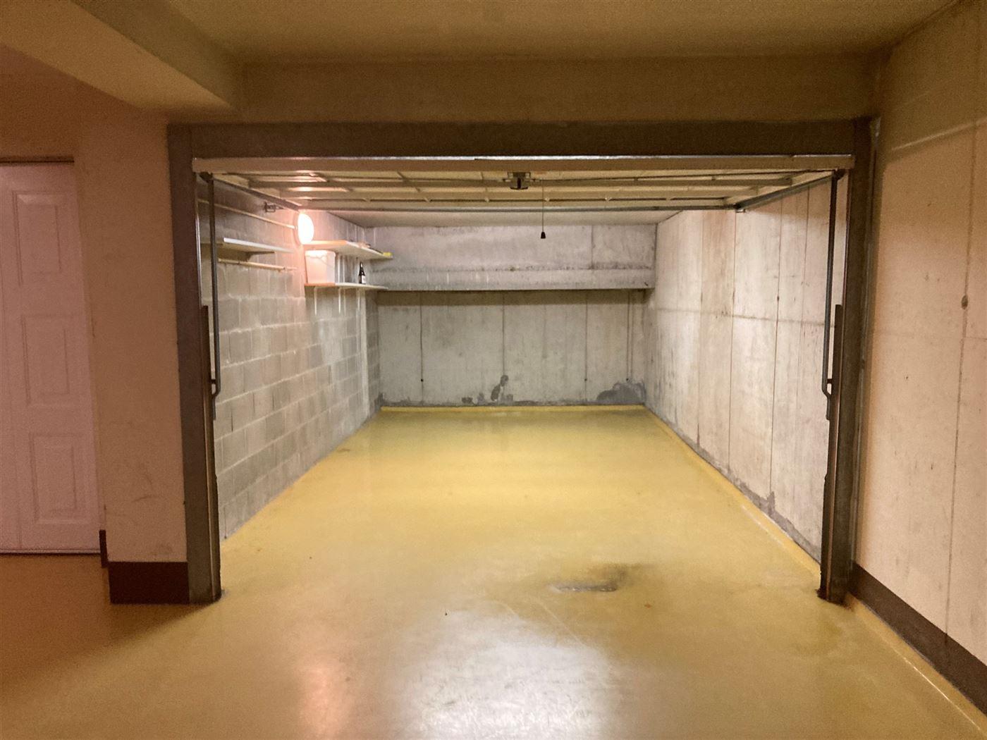 Rayon d'Or garage nr. 1 - Afgesloten garagebox met ingang via de Paardevissersweg - Op wandelafstand van de surfclub Windekind - Afmetingen: 2,95 x 6 ...