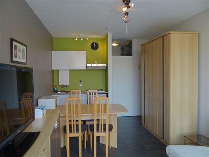 Res. Santhooft C 412 - Studio cosy avec terrasse, à quelques pas de la plage - Situé au 4ième étage dans la Franslaan - Hall d'entrée avec vestia...