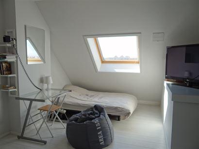 Res. Hof Ter Beke 0304 - Appartement cosy au troisième étage - Situé au coeur de Nieuwpoort-Stad - Hall d'entrée - Living - Cuisine ouverte - Mezz...