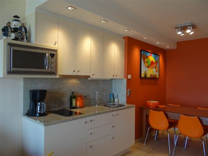Res. Gounod 0601 - Appartement avec chambre à coucher en état impeccable - Vue sur mer du 6ième étage - Situation centrale sur la Digue de Mer - H...