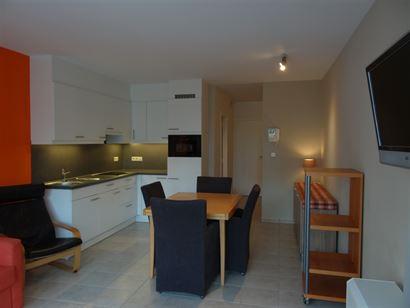 Res. Gaudi 0203 - Studio très lumineux, avec coin à dormir - Sitaution centrale dans la Franslaan, au deuxième étage - Hall d'entrée avec coin à...