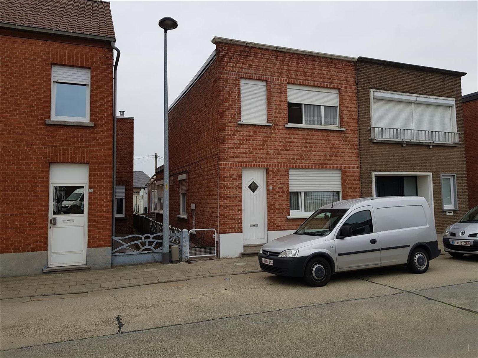 Arbeiderswoning te 2220 HEIST-OP-DEN-BERG (België) - Prijs
