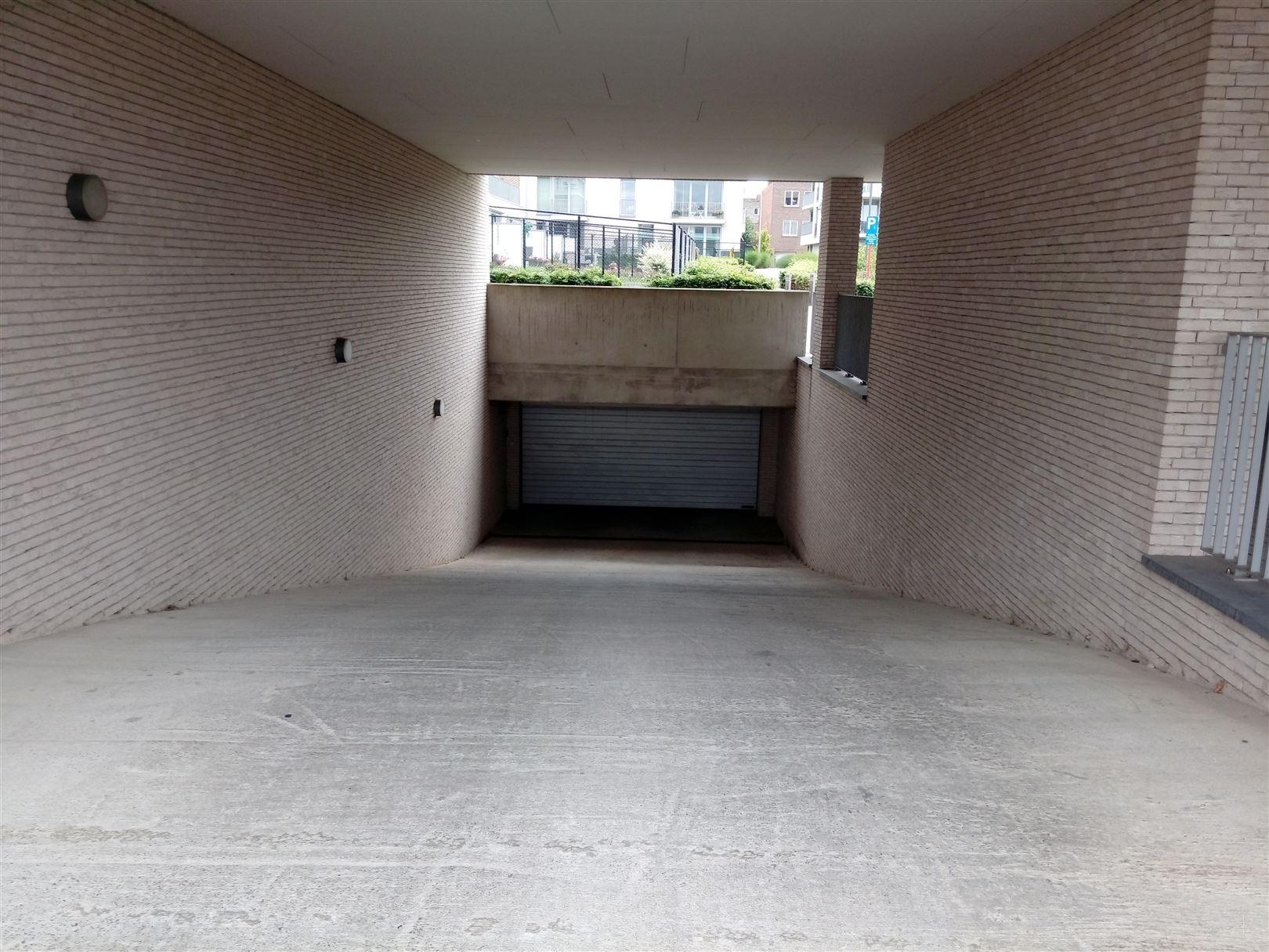 Garage te 2220 Heist-op-den-Berg (België) - Prijs
